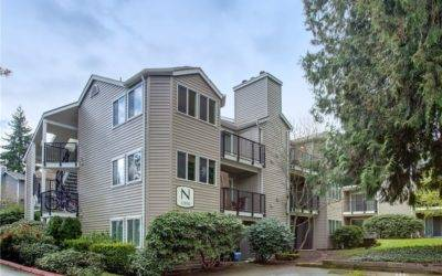 Spacious & Updated 2-Bedroom End-Unit Condo in Kirkland's Esplanade Community