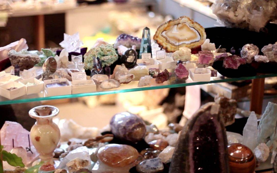 Best of Kirkland: Earthlight Rocks & Gems