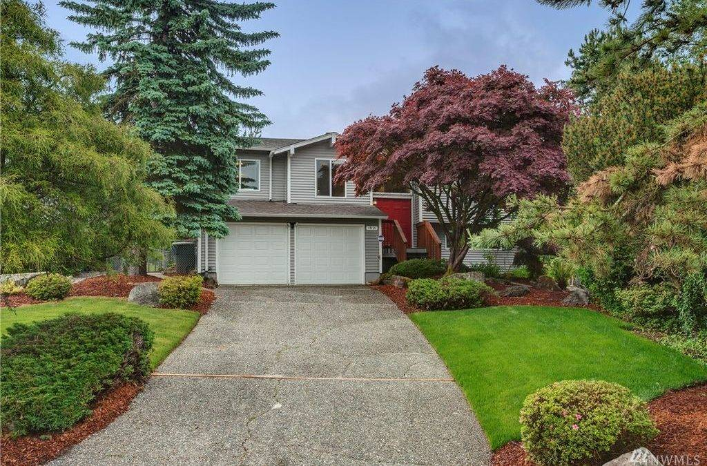 Pristine, Move-in Ready 4-Bedroom, 2.25-Bath Home with Gorgeous Park-Like Yard in Bellevue