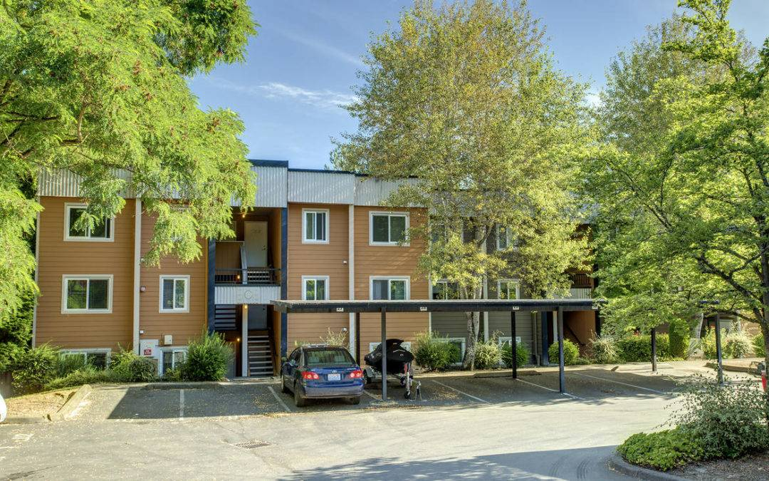 Fantastic 2 Bedroom 2 Bath Condo Downtown Kirkland