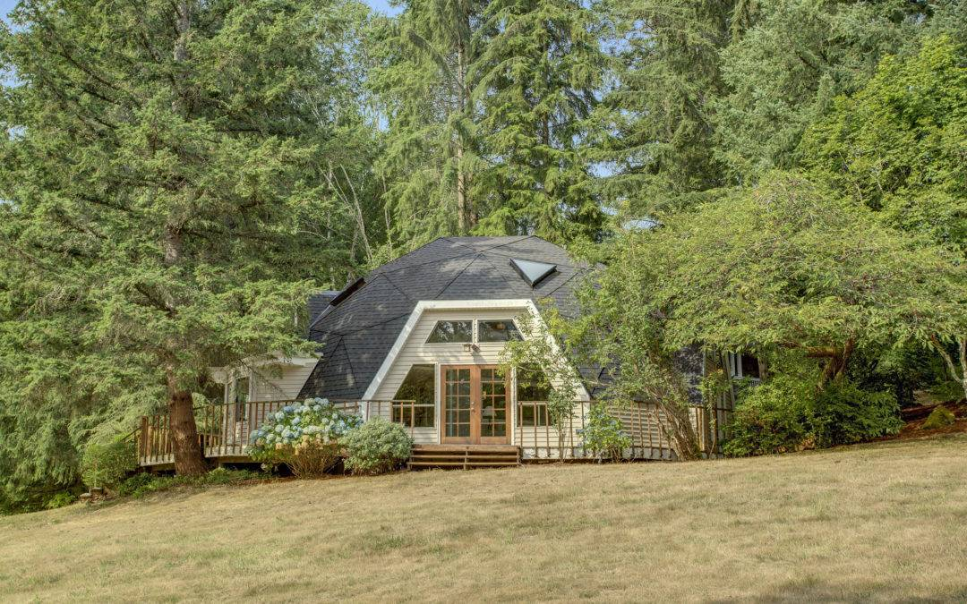 Stunning Geodesic Dome on 1.5 Acres Close To Downtown Woodinville