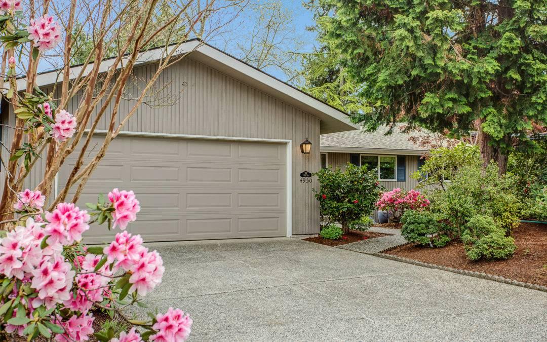 Fantastic, 4 Bedroom Daylight Rambler in Newport Hills, Bellevue