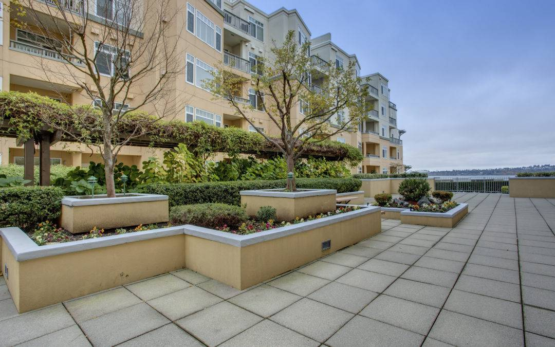2 Bedroom, 1.75 Bath Portsmith Condo with Southern Exposure Downtown Kirkland