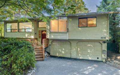 Sunny Home Nestled in the Trees for Privacy in Kirkland's Highlands Neighborhood