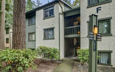 Fantastic Kirkland Condominium Near Totem Lake Village