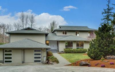 Beautifully Updated Kenmore Home On An Acre