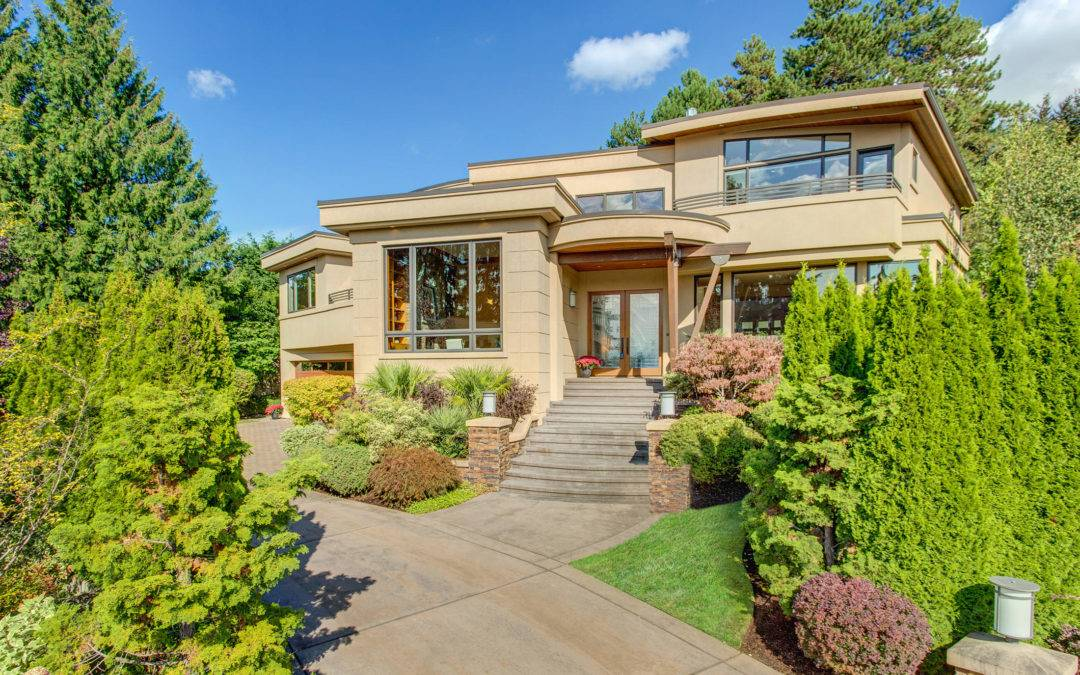 Gorgeous Lochwood-Lozier Home in West Bellevue