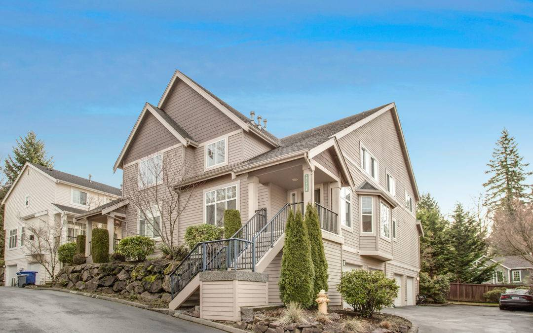 Fantastic 3 Bedroom, 2.5 Bath Lakemont Crest Townhouse