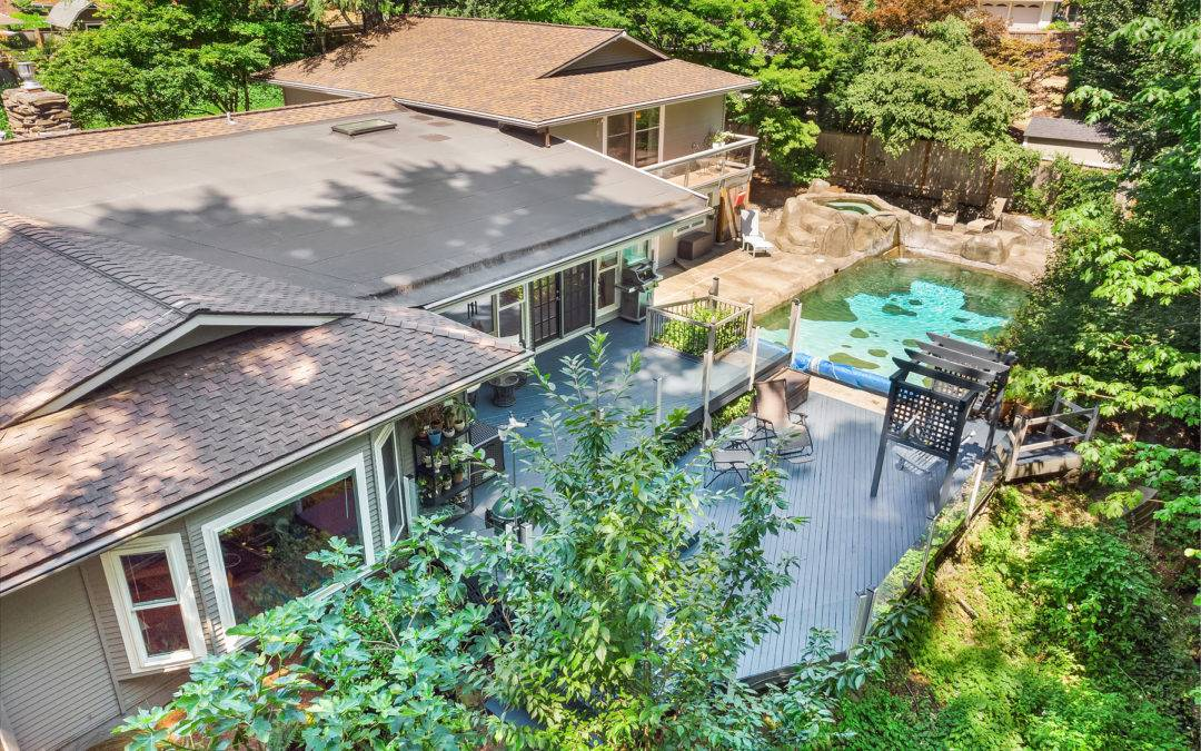 Beautiful 4 Bedroom Bellevue Home Close to Glendale Golf Course With a Pool