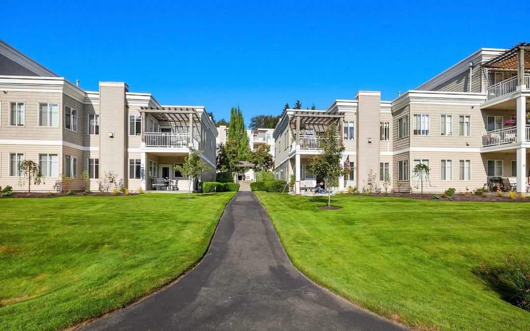 Fantastic Riverfront 2 Bedroom Condominium, Bothell
