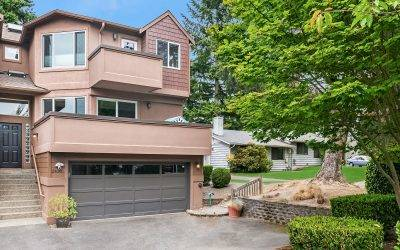 Amazing 3 Bedroom Townhome, With Yard Downtown Kirkland