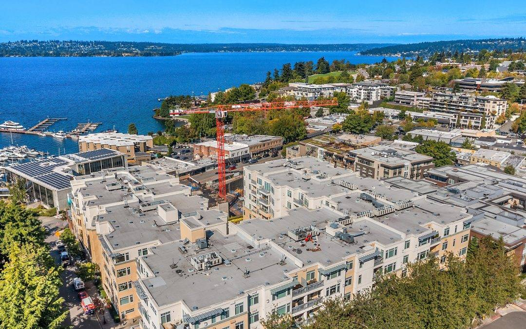 Beautiful One Bedroom + Den at the Portsmith, Downtown Kirkland